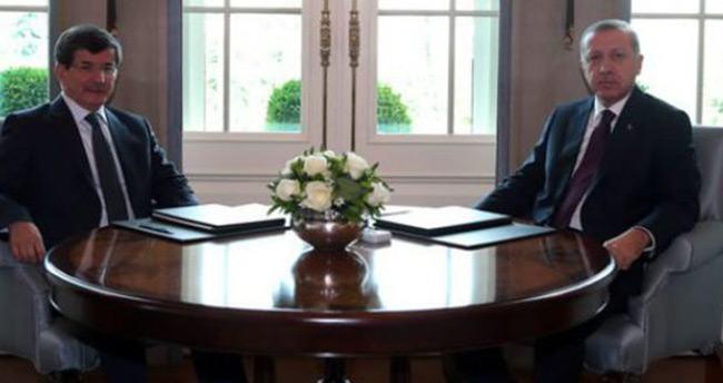 Erdoğan ile Davutoğlu arasında önemli görüşme