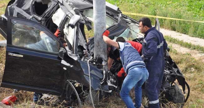 Eskişehir'de cip, yön levhasına çarptı: 4 ölü, 1 yaralı