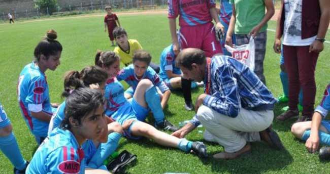 Genç kızlar şampiyonasında sağlıkçı krizi