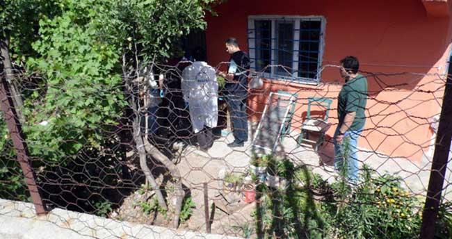 Hırsız ev sahibini öldürdü, karısını yaraladı