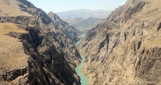 Karanlık Kanyon'a asma köprü yapılacak