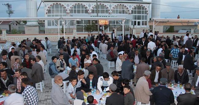 Karatay Belediyesinden iftar programı