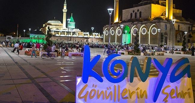 Konya'da ilk teravih namazı kılındı