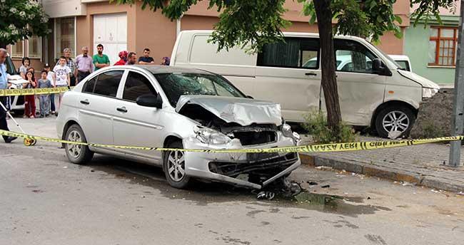 Konya'da şüpheli kovalayan polis aracı kaza yaptı