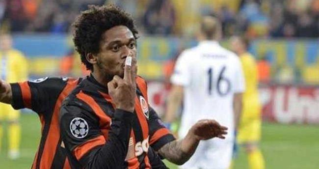 Lucescu: Bonserviste anlaştık, ama Adriano gitmek istemiyor
