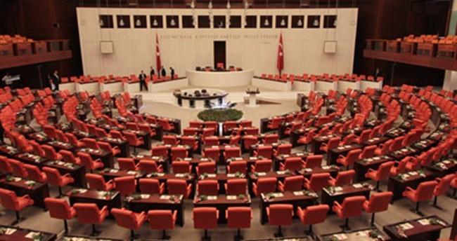 Milletvekilerinin yemin töreni gece yarısı bitecek