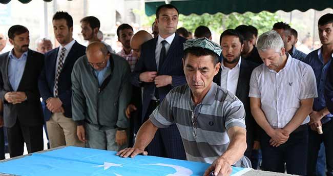 Öldürülen Uygur Türkleri için gıyabi cenaze namazı