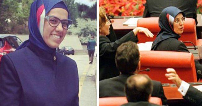 Ravza Kavakçı ablasının başörtüsü ile Meclis'e geldi