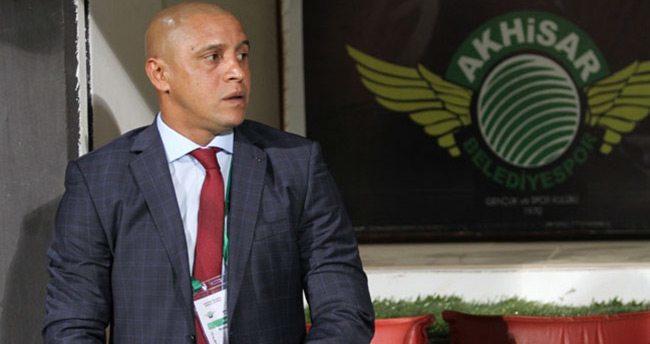 Roberto Carlos'un sözleşmesi feshedildi