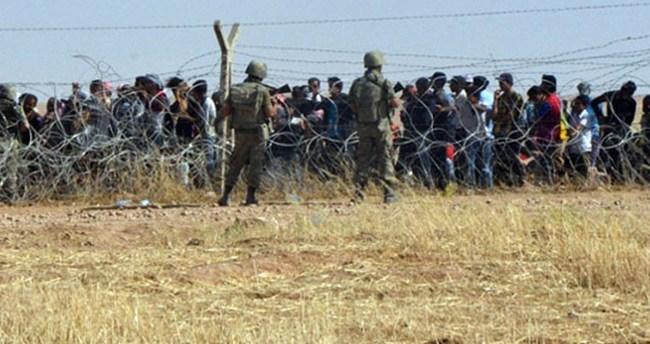 Suriyeliler Türkiye'ye geçiyor