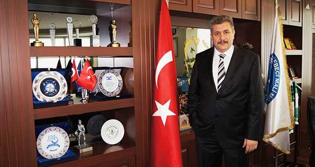 Turan, Meslek Yasası'nın Kabul Edilişini Kutladı