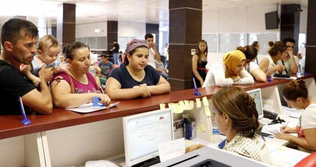 10 bin Antalyalı anne destek için sıraya girdi