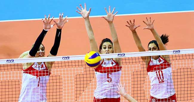 A Milli Bayan Voleybol Takımı ilk maçında mağlup