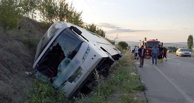 Çorum'da yolcu otobüsü devrildi: 1 ölü, 32 yaralı