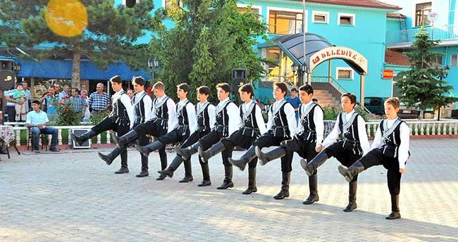 Dans ve Halk Oyunu Ekipleri Final Yaptı