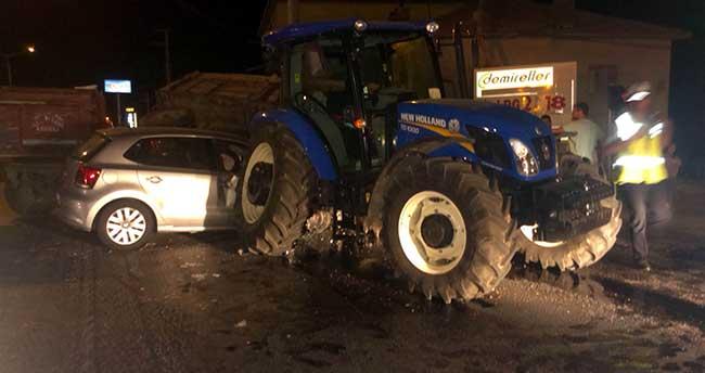 Ereğli'de Otomobil İle Traktör Çarpıştı