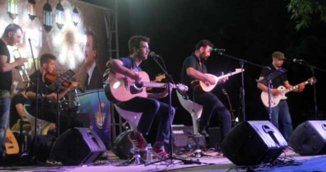 Grup Mavi Düş yeni albümüyle sevenlerini coşturdu