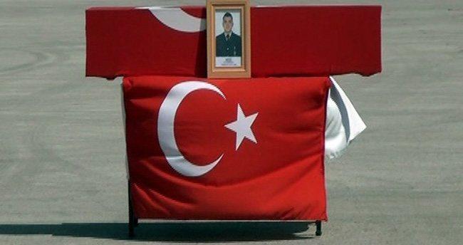 Hakkari'de şehit düşen Uzman Çavuş için askeri tören