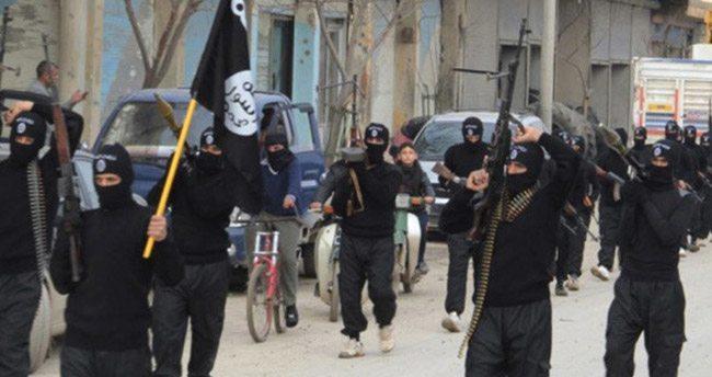 'IŞİD Ayn İssa'yı yeniden ele geçirdi'