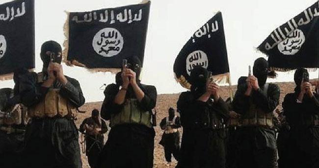 IŞİD ilk kez bir gemiye saldırdı