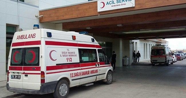 Karaman'da Servis Minibüsü Tarlaya Devrildi : 14 Yaralı