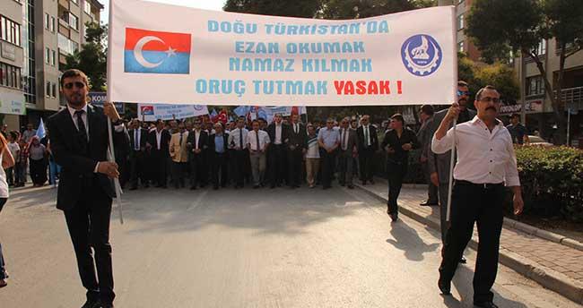 Konya Ülkü Ocakları Doğu Türkistan İçin Yürüdü