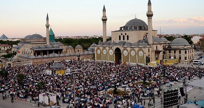 Konya'da 10 Bin Yetim ve Ailesi Kardeşlik İftarında Buluştu