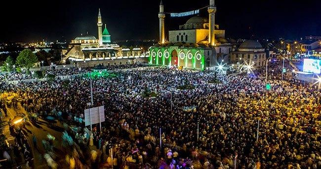 Konya'da Kadir Gecesi Coşkusu