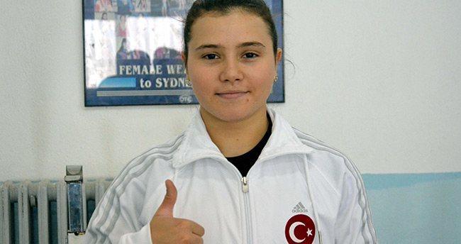 Milli halterci Ayşegül'ün hedefi dünya şampiyonluğu