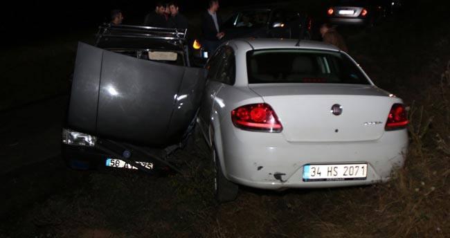 Sivas'ta trafik kazaları: 3 yaralı