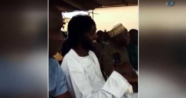 Ünlü futbolcu Adebayor Müslüman oldu