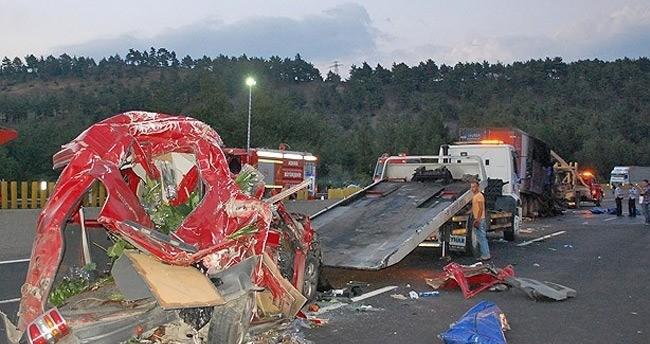 Adana'da trafik kazası: 5 ölü 4 yaralı