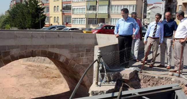 Aksaray'da köprü çalışmaları sürüyor