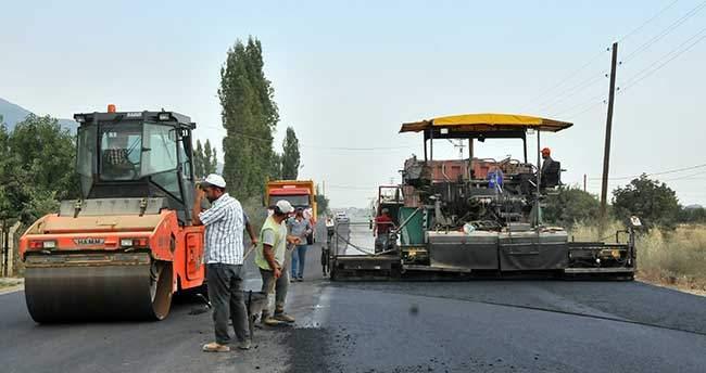 Akşehir Gazi Bulvarı'nda Asfaltlama Çalışmaları
