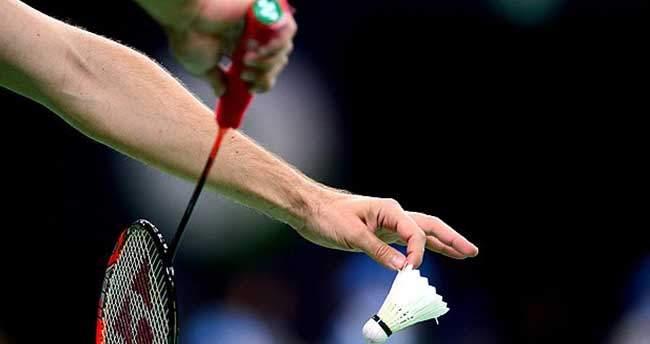 Badmintonu yaygınlaştırmak için 15 bin raket dağıtılacak
