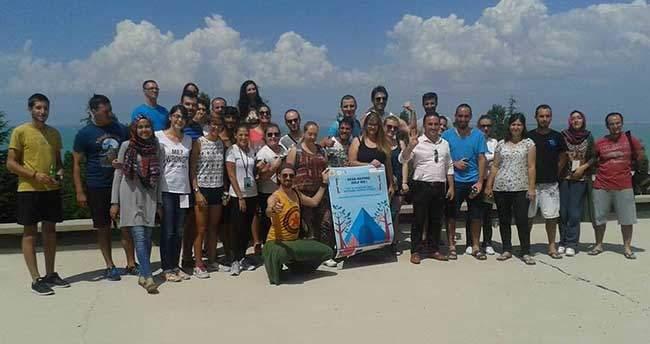 """Beyşehir'de """"Doğa Bana Yardım Et"""" İsimli Kamp Düzenlendi"""