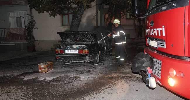 Beyşehir'de Otomobil Yangını