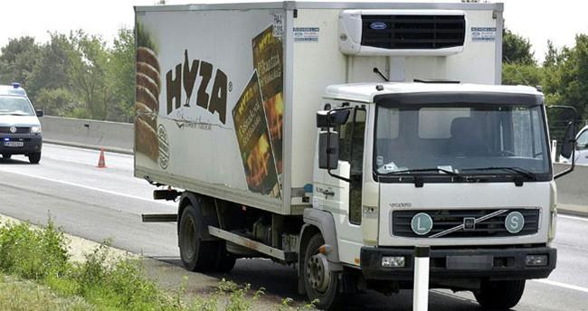 Bir kamyon kasasında 50 sığınmacı ölü bulundu
