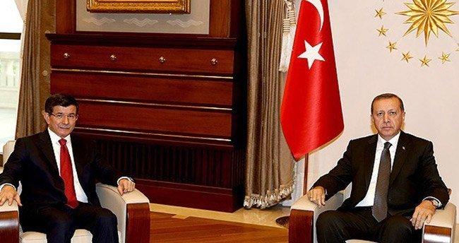 Davutoğlu hükümet kurma görevini iade edecek