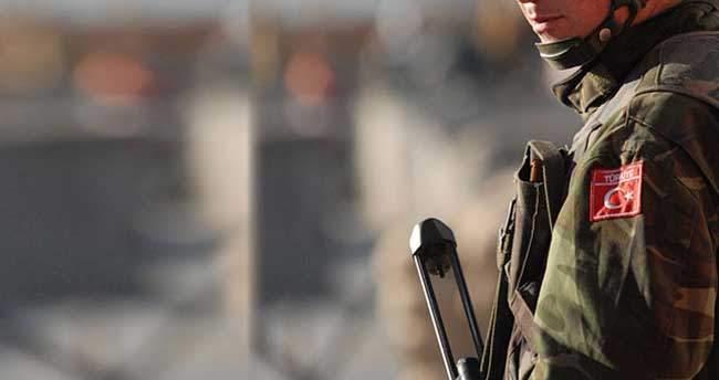 Diyarbakır'da karakola roketli saldırı: 1 asker şehit