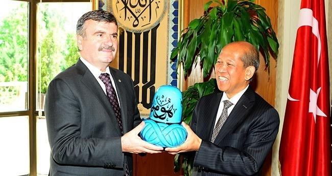 Endonezya Büyükelçisi'nden Akyürek'e Ziyaret