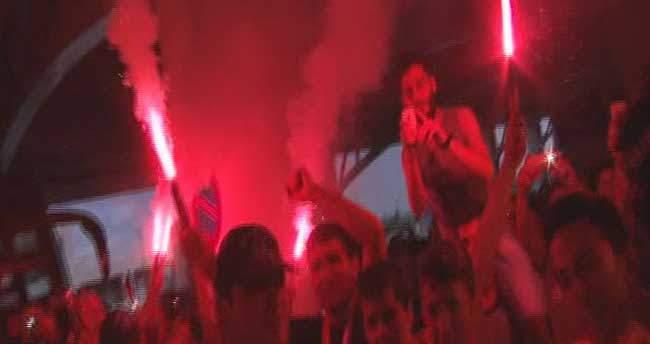 Galatasaray'a Başkent'te coşkulu karşılama
