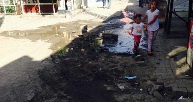 Halk mağdur! PKK su borusunu patlattı