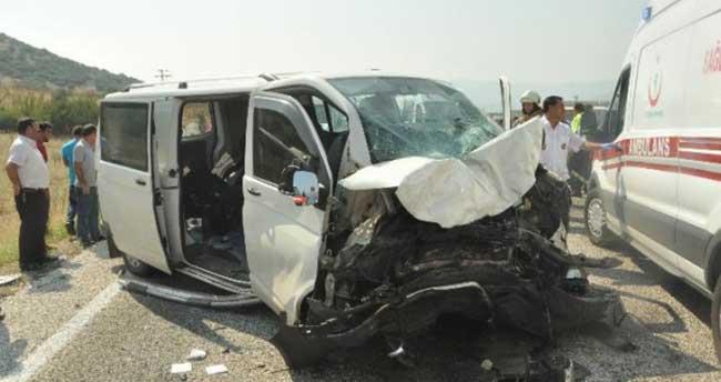 İzmir'de kaza: 4 ölü, 6 yaralı