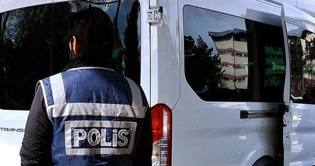 İzmir'de 'Paralel Yapı' operasyonu: 8 gözaltı