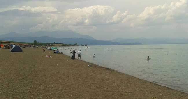 Karaburun plajı, tatilcilerin yeni gözdesi