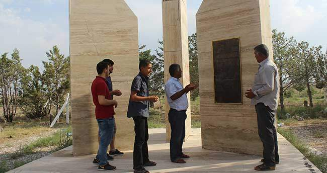 Karapınar'da sürücülerden Trafik Kurbanları Anıtı'na ilgi
