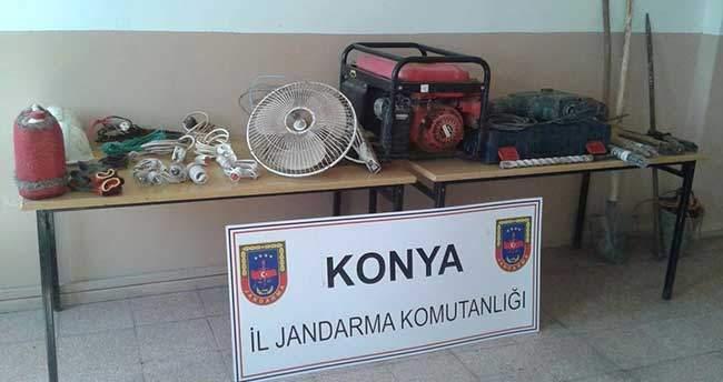 Konya'da kaçak kazı yaparken yakalandılar