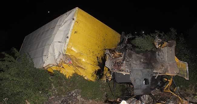 Konya'da kamyon uçuruma devrildi: 3 ölü, 1 yaralı