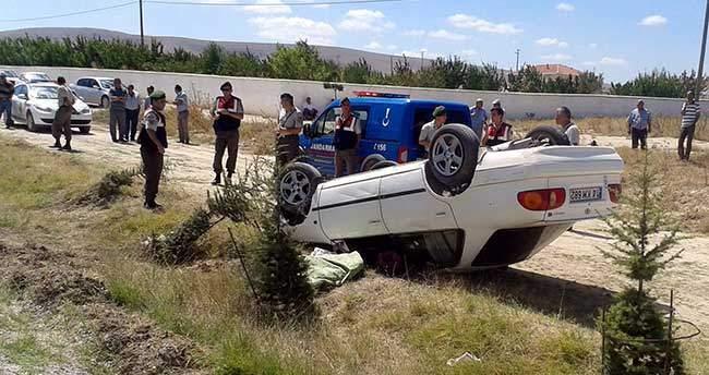 Konya'da otomobil şarampole devrildi: 1 ölü, 1 yaralı